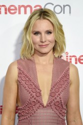 Kristen Bell - CinemaCon Big Screen Achievement Awards 4/14/16