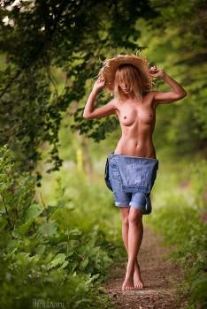 Девушки на Природе. 18+