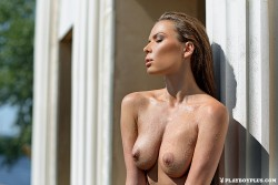 http://thumbnails115.imagebam.com/48116/e102d9481150290.jpg