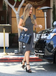 Sofia Vergara - Out and about in Los Angeles (5/25/16)