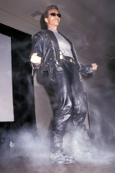 Терминатор 2 - Судный день / Terminator 2 Judgment Day (Арнольд Шварценеггер, Линда Хэмилтон, Эдвард Ферлонг, 1991) - Страница 2 8fa2f7486843475