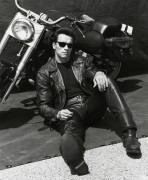Терминатор 2 - Судный день / Terminator 2 Judgment Day (Арнольд Шварценеггер, Линда Хэмилтон, Эдвард Ферлонг, 1991) - Страница 2 4e2ef3488115231