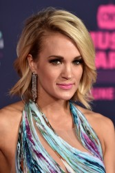 Carrie Underwood - 2016 CMT Music Awards in Nashville 6/8/16
