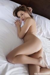 http://thumbnails115.imagebam.com/48883/4e422a488823724.jpg