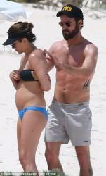 Jennifer Aniston Wearing a Bikini in the Bahamas - June 2016