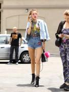 Bella Thorne por las calles de Los Angeles (15/6/16) 3329fd490014282