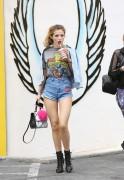 Bella Thorne por las calles de Los Angeles (15/6/16) 622ba1490014797