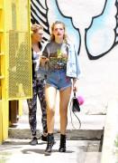 Bella Thorne por las calles de Los Angeles (15/6/16) F2888a490015144