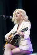Pixie Lott @ Breakfast at Tiffany's Performance during West End Live in London | June 19 | 62 pics