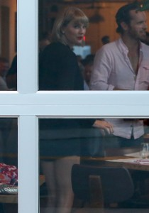 Taylor Swift - out for dinner with boyfriend Tom Hiddleston in Nashville - 06/23/2016