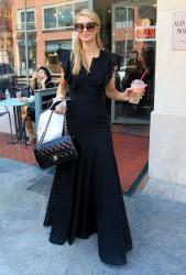 Paris Hilton - Spotted Running Errands In Beverly Hills (6/28/16)