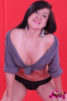 http://thumbnails115.imagebam.com/49393/6b2bf1493921519.jpg