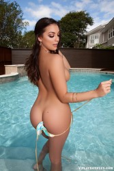 http://thumbnails115.imagebam.com/49464/9007e0494638496.jpg