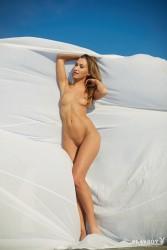 http://thumbnails115.imagebam.com/49504/07f8d5495032555.jpg