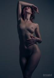 http://thumbnails115.imagebam.com/49587/8fe957495865194.jpg