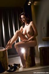 http://thumbnails115.imagebam.com/49656/13e74c496550522.jpg