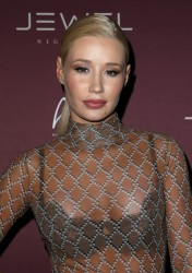 Iggy Azalea - Jewel Nightclub For Special Live Performance In Las Vegas (7/23/16) x12UHQ
