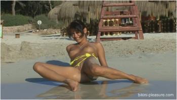 Bikini-Pleasure-Voyeurbb-97-26,03,10