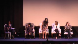 Lauren Graham, Alexis Bledel and many other cast members of Gilmore Girls in a June 2015 panel x55