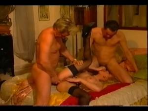 Sandrine van herpe dolly buster und irma sexspass zusammen - 3 part 7