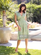 Catherine Bell - Quick & Simple Photoshoot by Marc Royce, August 2007 7MQ (tagged) 684525499802115