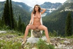 http://thumbnails115.imagebam.com/49984/e1856a499838579.jpg