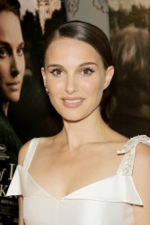 """Natalie Portman - """"A Tale Of Love & Darkness"""" Premiere in NYC 8/15/16"""