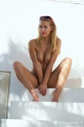 http://thumbnails115.imagebam.com/50014/270fe6500137479.jpg