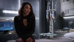 """Candice Patton & Danielle Panabaker """"The 22"""