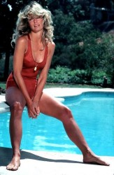 "Farrah Fawcett - Famous ""Red Swimsuit"" Photoshoot"
