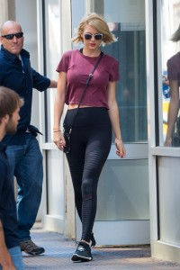 Taylor Swift - in tight leggings at a gym in NYC - 08/24/16