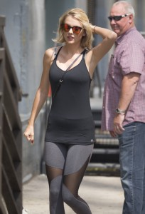Taylor Swift - going to a gym in NYC (cameltoe alert!) - 08/26/16