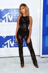 Hailey Baldwin -  2016 MTV VMAs in NYC 8/28/16