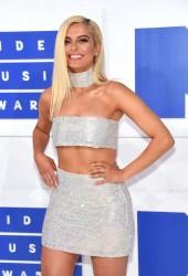 Bebe Rexha - 2016 MTV VMAs in NYC 8/28/16