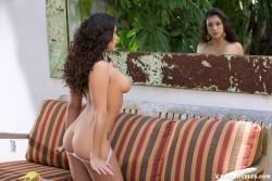 http://thumbnails115.imagebam.com/50337/6c0952503360815.jpg