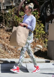 Miley Cyrus - Shopping in LA 9/9/16