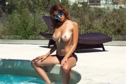 http://thumbnails115.imagebam.com/50433/46a992504327698.jpg