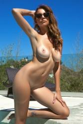 http://thumbnails115.imagebam.com/50433/b4c4b9504327912.jpg