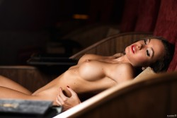 http://thumbnails115.imagebam.com/50450/92b103504496269.jpg