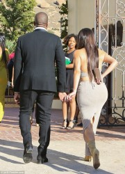 Kim Kardashian - Arriving at a wedding in Simi Valley 9/23/16