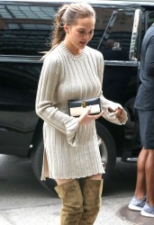 Chrissy Teigen - Arriving at her hotel in NYC 9/28/16