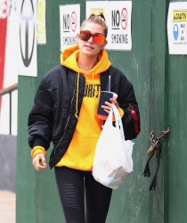 Hailey Baldwin - Out in NYC 10/8/16