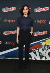 "Aubrey Plaza - ""Legion"" Panel at 2016 New York Comic Con 10/9/16"