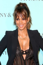 Halle Berry - Tiffany and Co. Celebrates the Unveiling of Its Renovated Beverly Hills Store 10/13/16