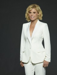 Julie Bowen -                 ''Modern Family'' Season 8 Promoshoot.