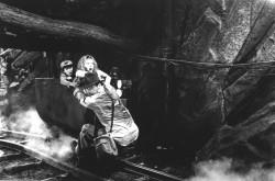 Индиана Джонс и храм судьбы / Indiana Jones and the Temple of Doom (Харрисон Форд, Кейт Кэпшоу, 1984) Eeac08509893763