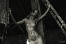 http://thumbnails115.imagebam.com/51178/409094511778691.jpg