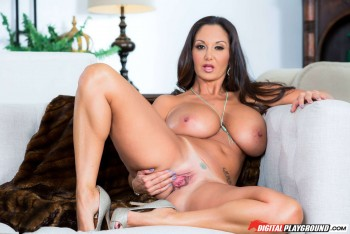 Ava Addams Stepmoms Boobs
