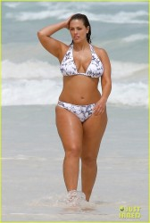Ashley Graham - Bikini Candids at the beach in Cancun 10/28/16