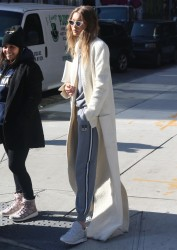 Gigi Hadid - Out in NYC 11/1/16